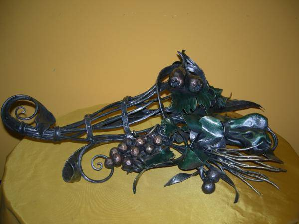 wrought iron sculpture representing a cornucopia
