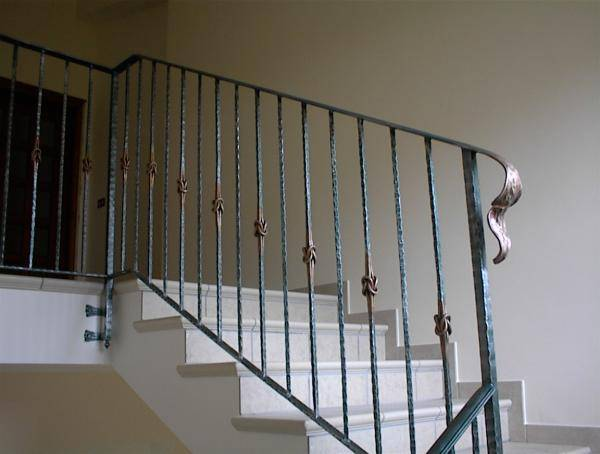 Railing in wrought iron for stairway - hammered work with knots