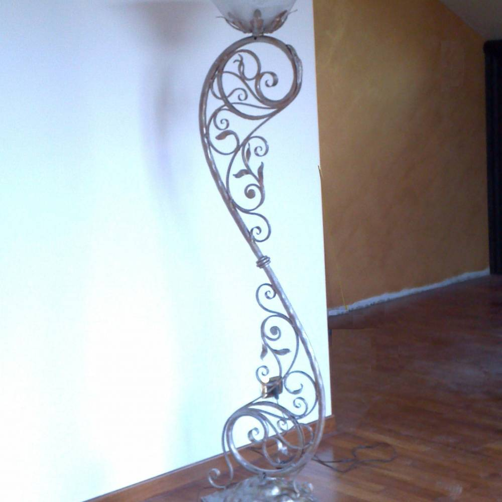 Wrought Iron Floor Lamps Nz : Interior furnishings in wrought iron small tables wine bottle holders