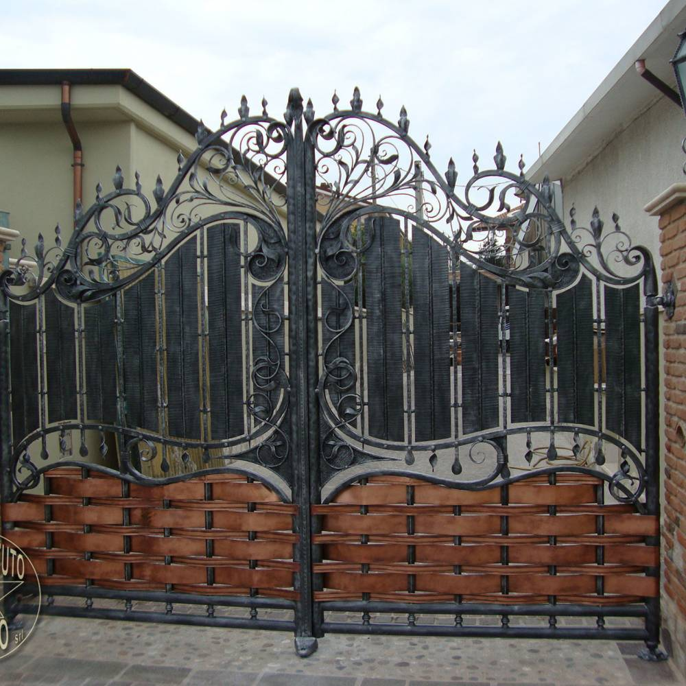 Wrought iron gates gate ironwork pag