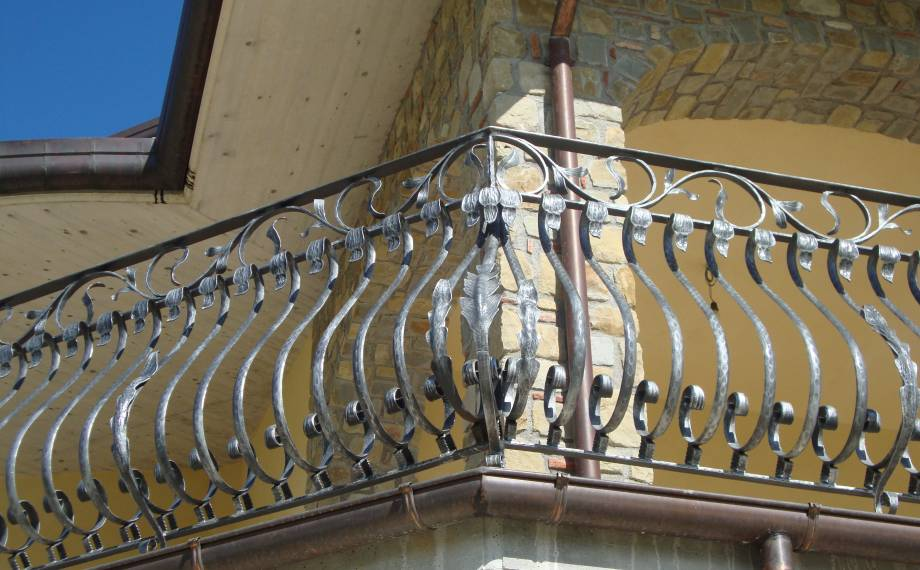 Wrough iron balaustrade for balcony