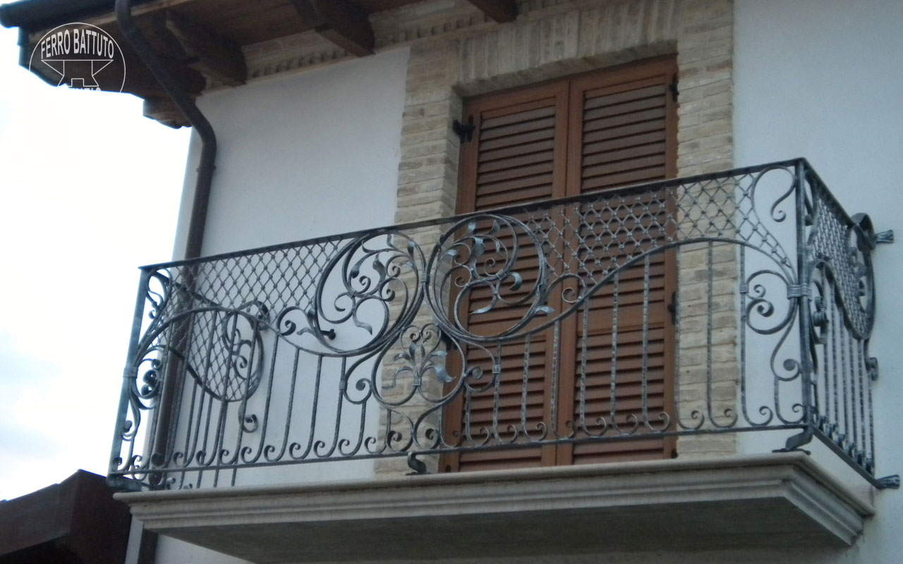 Exterior balustrades hand crafted creations wrought iron for Porte exterieur fer forge tunisie