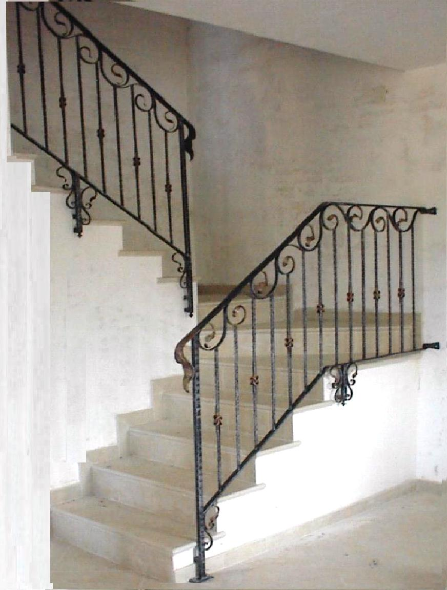 Interior balustrades wrought iron stairways railings for Foto di ringhiere in ferro battuto